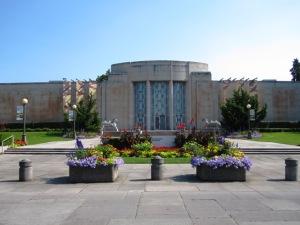 seattle asian art museum facade